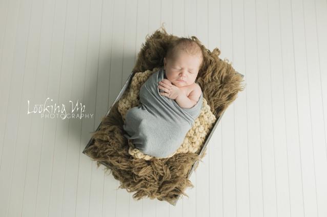 The Thinker (Ridgefield Newborn Photographer)