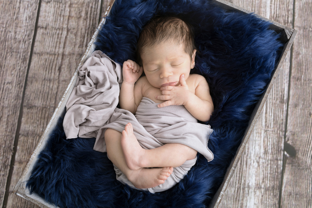Love at First Sight | Scarsdale NY Newborn Photographer