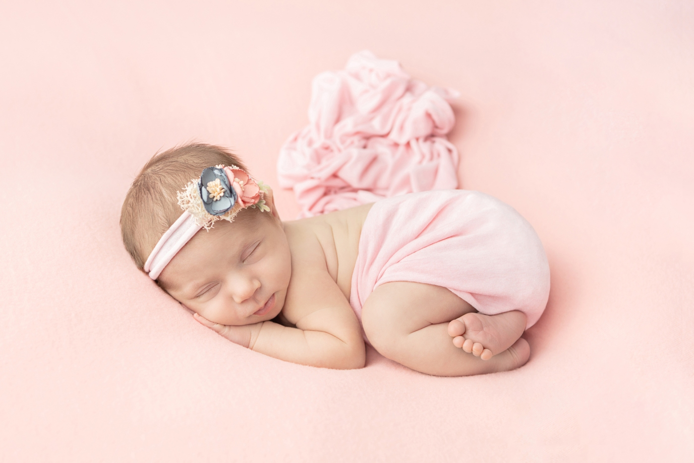 light pink newborn girl photo session inspiration